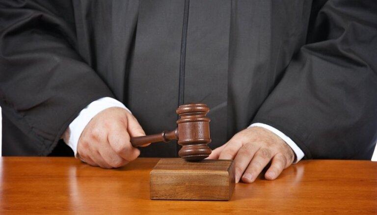 Streiča bojāejas lietā apsūdzētajam pilotam nosacīts sods