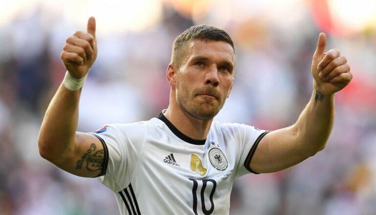Подольски сказал сборной Германии— Auf wiedersehen!