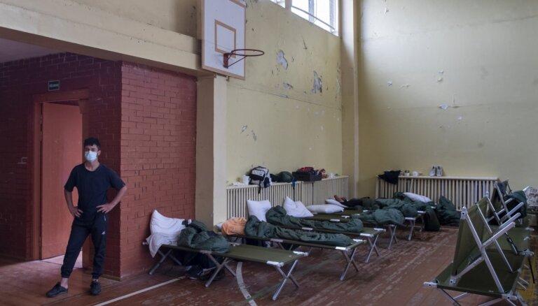 Latvijas valdība ārkārtas sēdē lems par palīdzības sniegšanu Lietuvai bēgļu krīzē