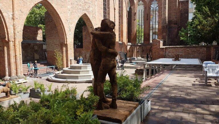 Berlīnes centrā atklās Neiburgas, Eglīša un Novika instalāciju dārzu