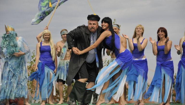 Rojinieki sola lielāko un jautrāko zvejnieksvētku ballīti Kurzemes piekrastē