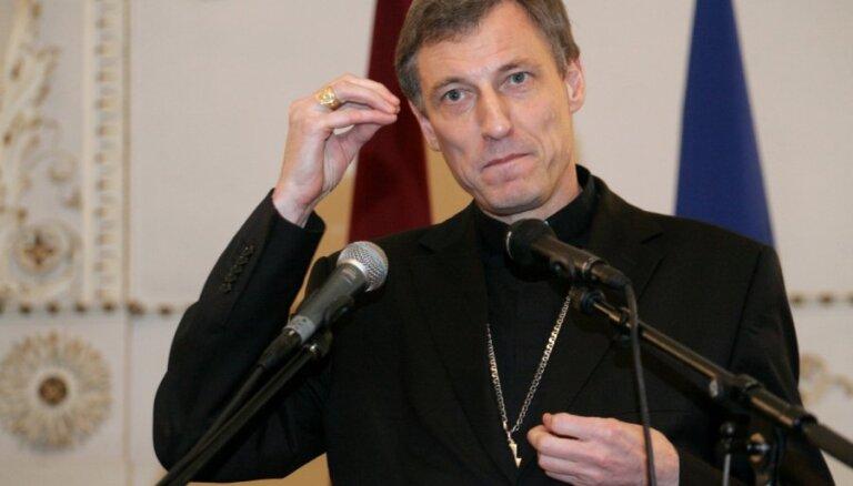 Reliģiskie līderi nevar diktēt politiku, atzīst Stankevičs