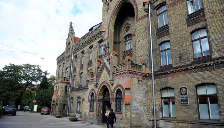 Rīgas 1. slimnīcas lietā aizdomās tur arī Kreicera partneri Kurpuševu