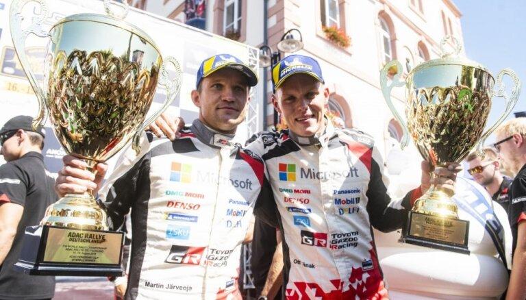Igaunis Ots Tanaks saņem WRC gada labākā pilota balvu