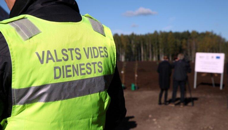 VVD uzdevis izvest degšanas atkritumus no atkritumu savākšanas laukuma Salaspils novadā