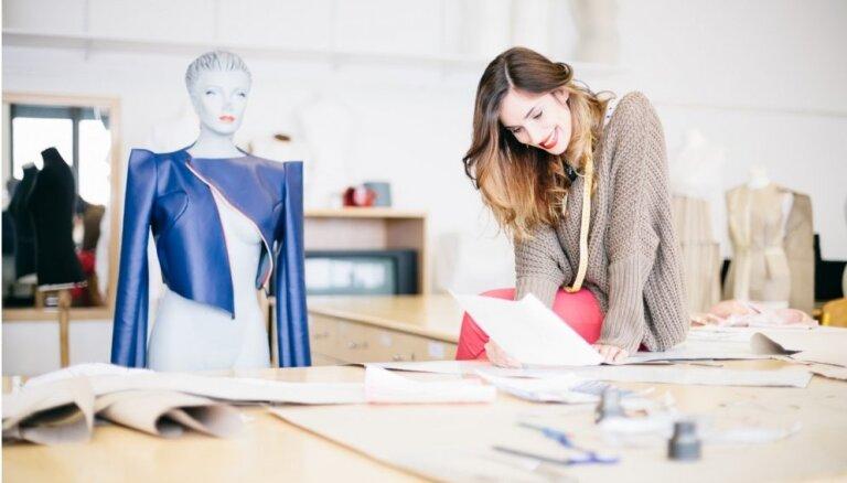 Kā notiek konsultācija pie stilista, tēla veidošana un kopīga iepirkšanās?