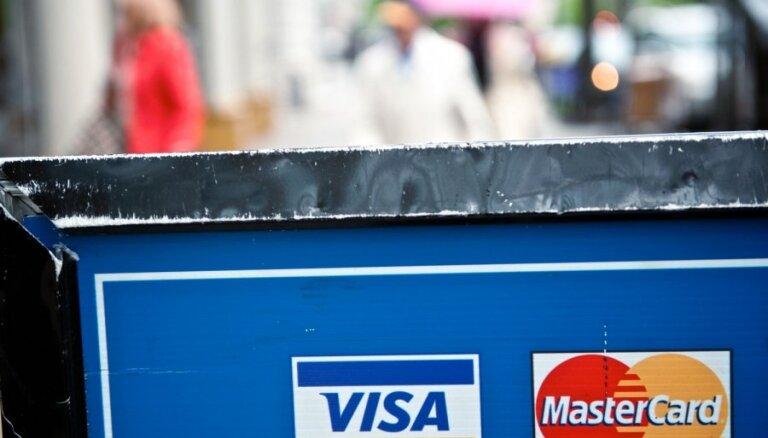 'Visa' un 'MasterCard' iesaldē 'SMP bank' un 'Rossija' klientu maksājumu kartes (plkst.11.12)