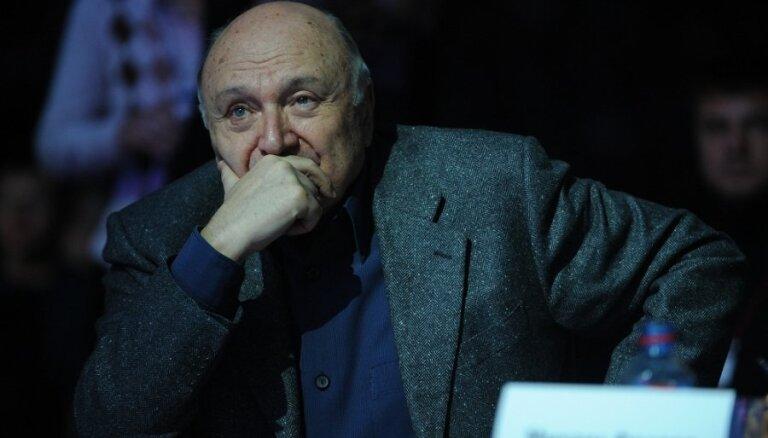 """Жванецкий озадачен новостью о включении в """"белый список"""" Украины"""