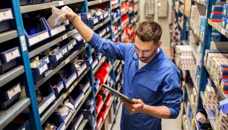 Lielākais pieprasījums pēc darbiniekiem ir apstrādes rūpniecībā, valsts pārvaldē un tirdzniecībā