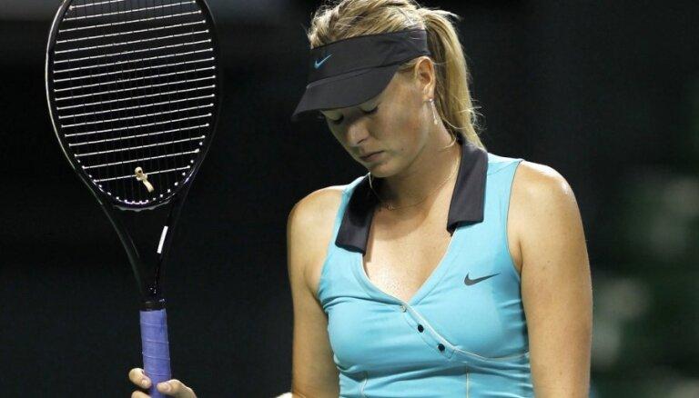 Šarapova savainojuma dēļ otro gadu atsauc dalību Brisbenas tenisa turnīrā