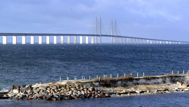 Zviedrija pagarina 2015. gadā atsākto robežkontroli