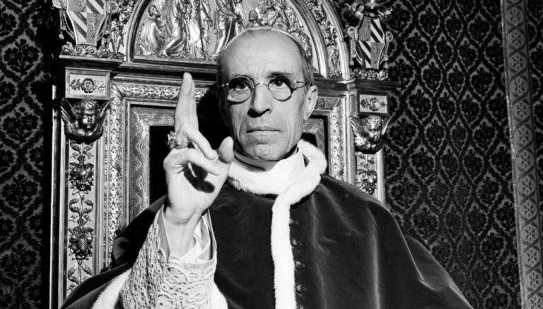 Atvērs arhīvus par Otrā pasaules kara laiku pāvestu Piju XII