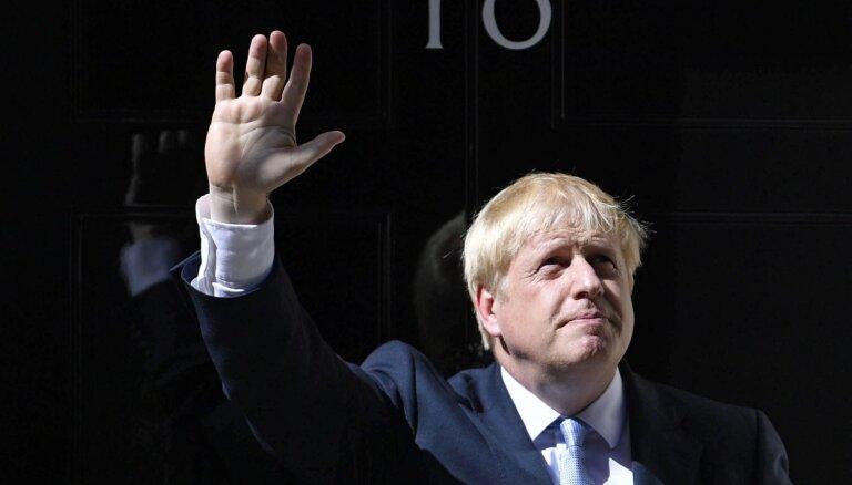 Džonsons premjera amatā palielina bezvienošanās izstāšanās risku, brīdina EP 'Brexit' komiteja