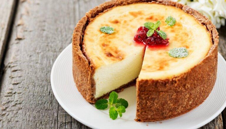 Soli pa solim: eleganti vienkāršā Ņujorkas siera kūka pēc klasiskas receptes