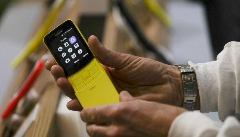 Eksperts: mobilo telefonu izaugsme, iespējams, apstājusies