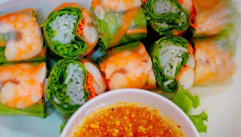 Весенние рулетики – идеи для начинки, вкусные соусы и видео мастер-класс