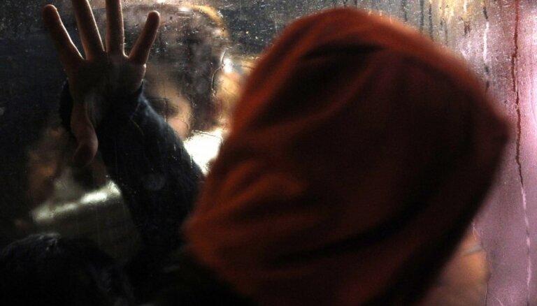 Tikumības aizstāvju dēļ Latvija neparaksta konvenciju, kas sievietes aizsargā no vardarbības
