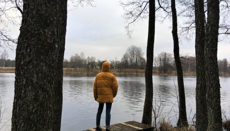 Skatu tornis, peldošās salas un drupas – pastaiga pa Ungurpils parku