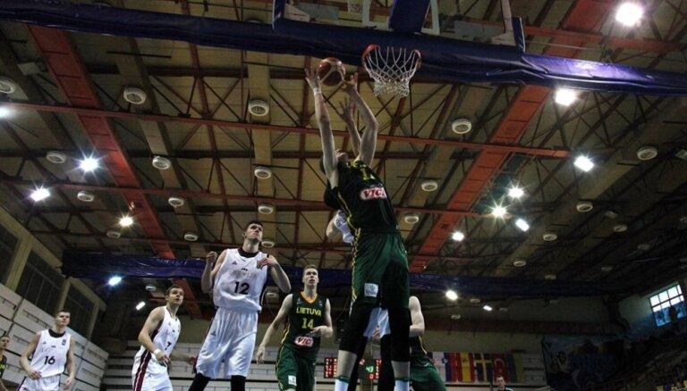 Latvijas U-20 izlases basketbolisti EČ apakšgrupas noslēdzošajā cīņā piekāpjas Lietuvai