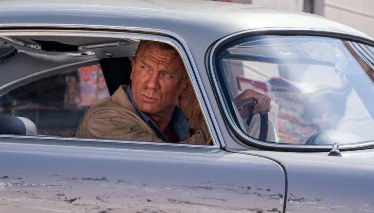 Džeimsa Bonda jaunā filma pārspējusi pandēmijas laika kases ieņēmumu rekordus