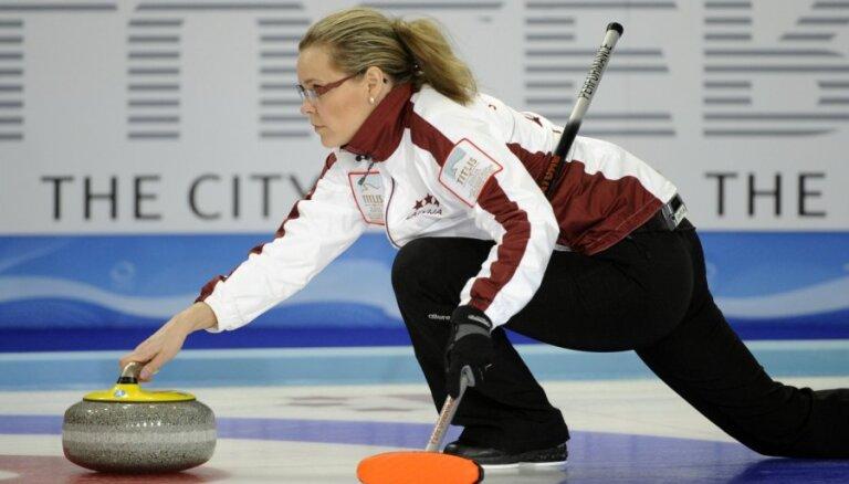 Latvijas dāmu kērlinga izlase piedzīvo neveiksmi arī pret Šveici