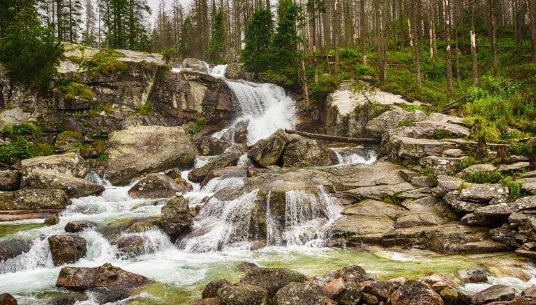 Augsto Tatru vizītkarte: bangojošās ūdens kaskādes Slovākijā