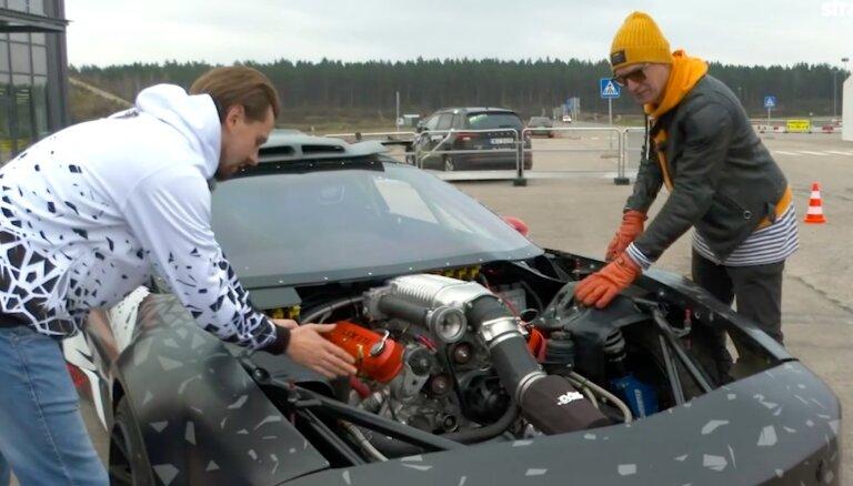 Video: Burkovs atrāda savu jauno drifta 'Pontiac' ar 700 ZS