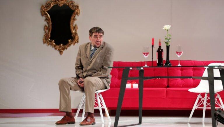 Ogrē varēs noskatīties Daugavpils teātra izrādi 'Hantele killeram'