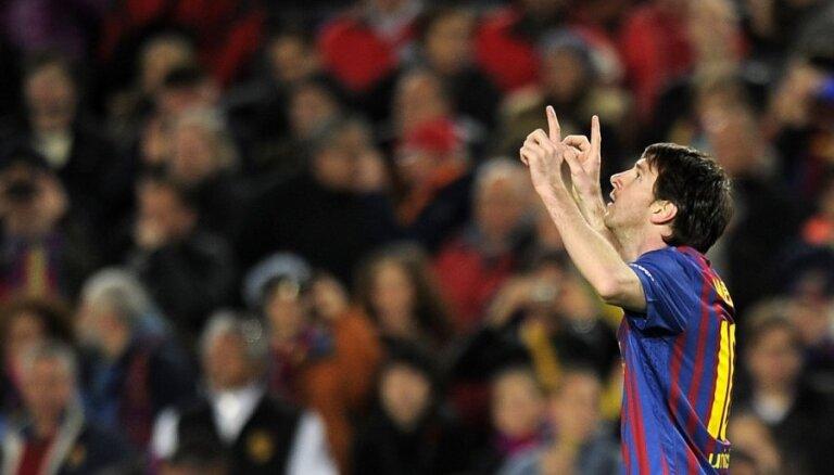 Месси — 50-й гол в сезоне, Роналду — 300-й гол в карьере