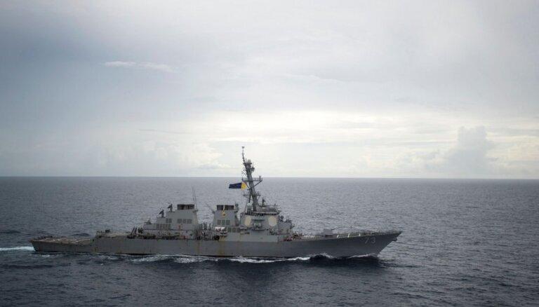 Ķīna piktojas par ASV kuģa manevriem Dienvidķīnas jūrā