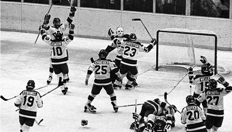 1980. gada Olimpiādes leģendārās hokeja spēles vārtsargs pārdod izsolē savu ekipējumu
