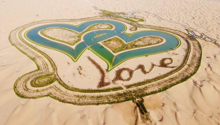 ФОТО. Чудесный оазис посреди пустыни – озеро Любви в Дубае