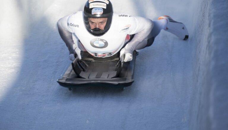 Martins Dukurs ar uzvaru Sanktmoricā atgūst Pasaules kausa līdera krekliņu