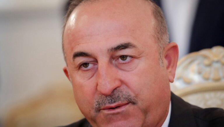 Турция перебрасывает вооружение на границу с Сирией