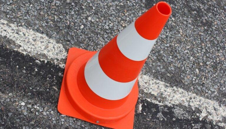 Šogad plānoti remontdarbi vairāk nekā 80 valsts autoceļu objektos