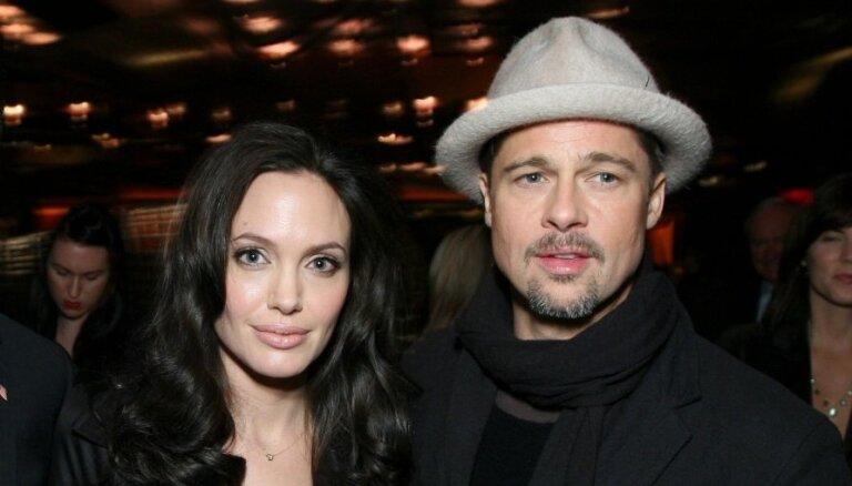 """СМИ: У Анджелины Джоли был """"черный список"""" женщин для Брэда Питта"""