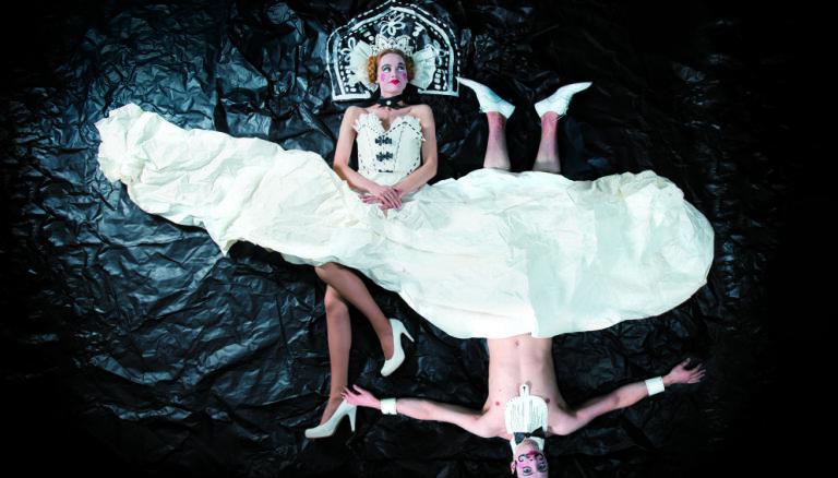 Liepājas teātrī Sergeja Zemļanska vadībā top Gogoļa 'Precības'