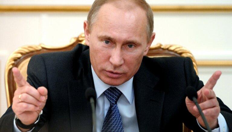 """Путин призвал оппозицию """"не раскачивать лодку"""""""