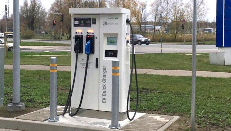 'Neste' degvielas stacijās sāk darboties elektromobiļu ātrās uzlādes punkti