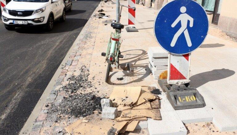 Attiecīgajos apstākļos Rīga ļoti labi tiek galā ar ielu remontdarbiem, pārliecināts Jakrins