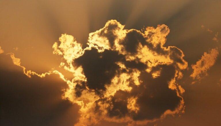 В воскресенье из-за туч будет выглядывать солнце
