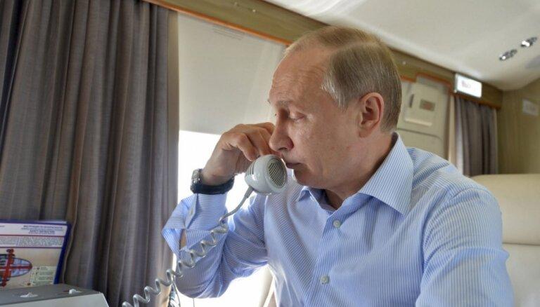 Erdogans un Putins pa telefonu apsprieduši Lībijas jautājumu