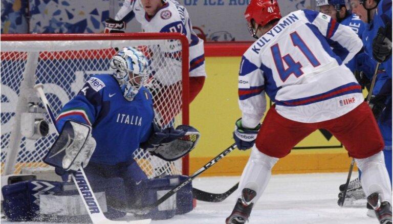 VIDEO: Krievija grupu turnīru noslēdz tikai ar uzvarām