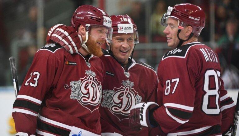Rīgas 'Dinamo' Sanda Ozoliņa vadībā iesāk 'rožu kāzu' sezonu KHL