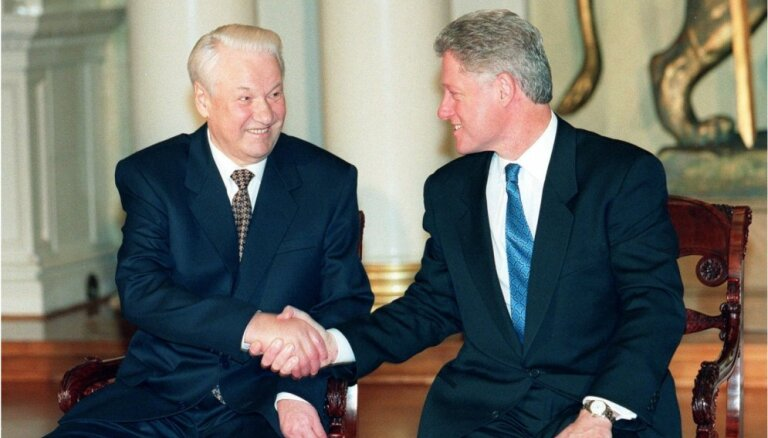 NATO, Putins un Krima: publiskotas Klintona un Jeļcina sarunas