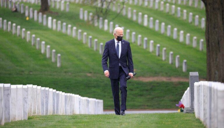 'Pienācis laiks izbeigt Amerikas ilgāko karu': Baidens oficiāli paziņo par karavīru izvešanu no Afganistānas