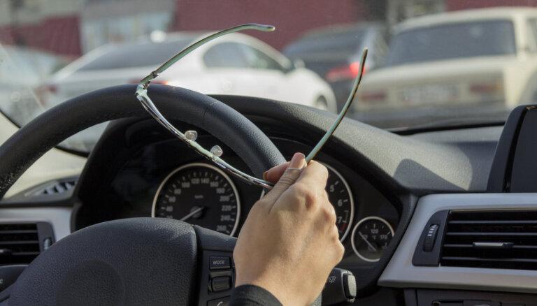 Ārkārtējās situācijas laikā auto īpašnieks varēs pārtraukt OCTA polises darbību