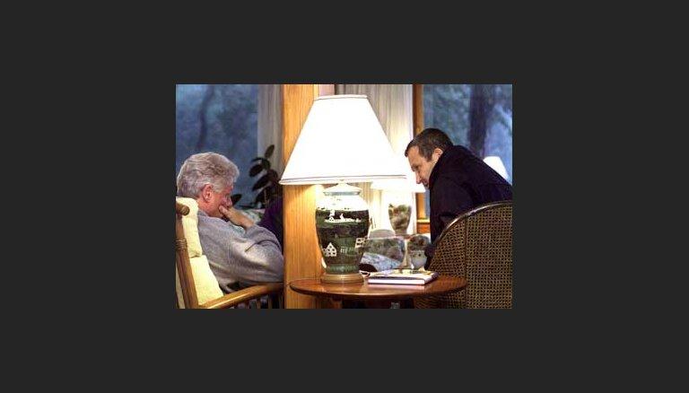 Барак и Арафат поговорят и без Клинтона