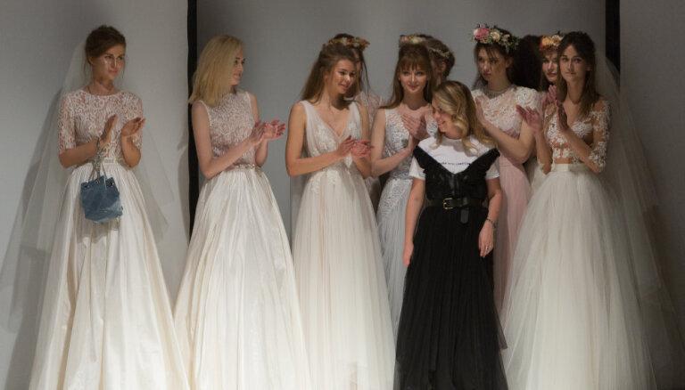 ФОТО. В преддверии свадебного сезона состоится распродажа дизайнерских платьев