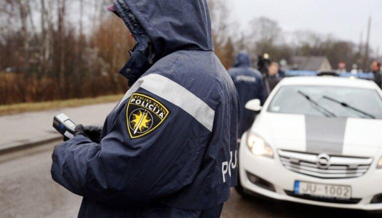 Piektdien Latvijā reģistrēti 102 ceļu satiksmes negadījumi; divi bojāgājušie